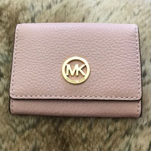 Michael Kors (small wallet)